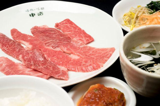 承諾30年的烤肉 如果您想在弘前品嚐正宗的烤肉,就在這裡!