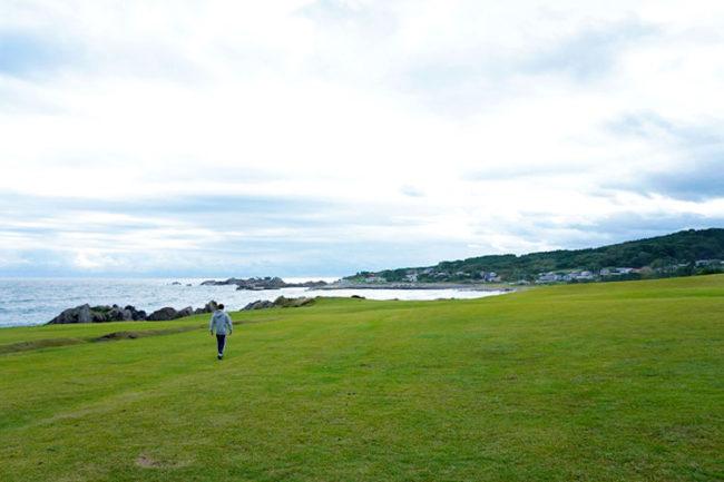 青森的大海是田邊海岸 一邊欣賞美景一邊遠足